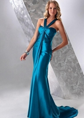 One-piece deep blue dress is made in satin. Ruched bust area with sweetheart nec