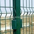 多种规格波浪形护栏网 3