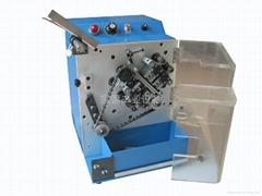 BY-110B 帶式單邊零件成型機