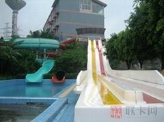 泳池滑梯Y