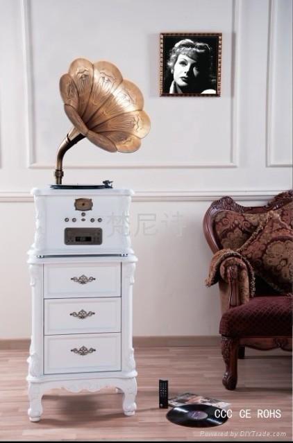 生產銷售舊式留聲機 1