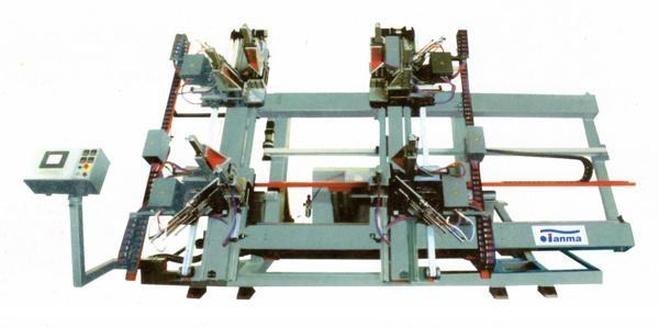 供应塑料门窗数控四角焊接机  1