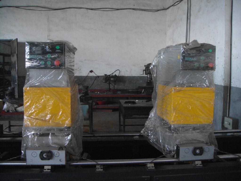 供应塑料门窗无缝焊接机  2