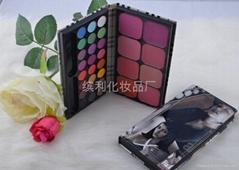 32 color eyeshadow