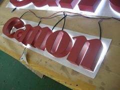 LED halo channel letter sign