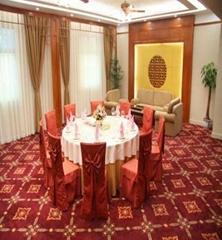 酒店满铺地毯