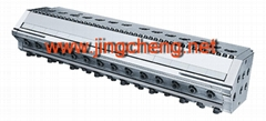 Plastic extrusion mould for sheet