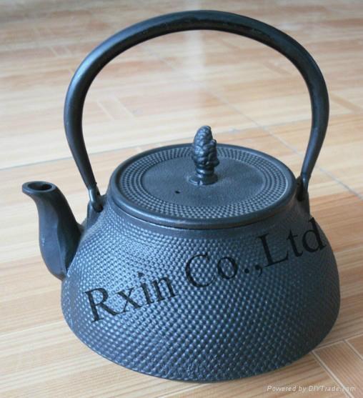 Black hobnail cast iron teapot 1