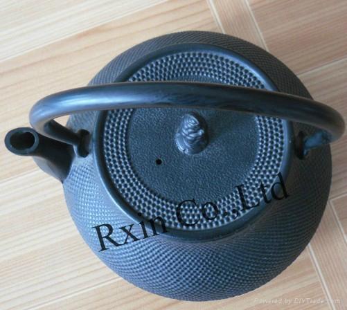 Black hobnail cast iron teapot 4