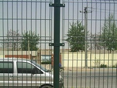 双边丝简易护栏