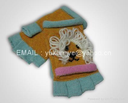 Knitted Cartoon animals gloves 1