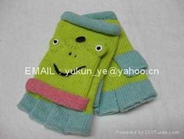 Knitted Cartoon animals gloves 2