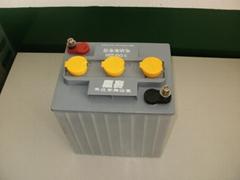牽引蓄電池