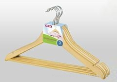 Wooden Hangers Wholesale 1