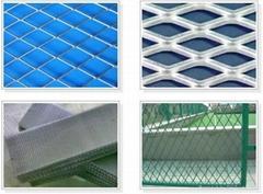 山东钢板网护栏网