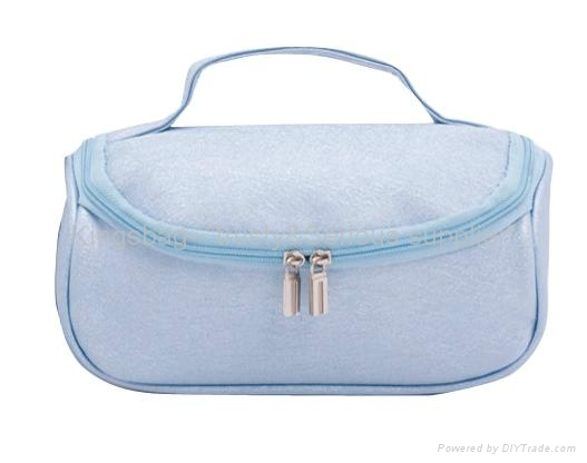 Blue PVC cosmetic bag with handle,handing cosmetic bag blue color