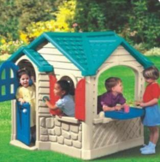 children plastic house  3