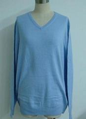 Women's V-neck Pullover