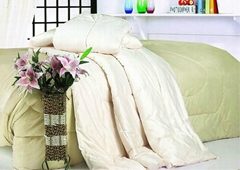 透氣保暖紅絲絨棉被