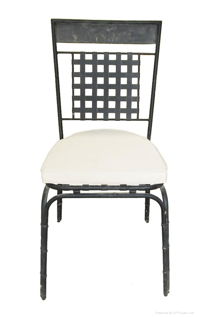 Powder coated wrought iron chair triquimex vietnam for Wrought iron living room furniture