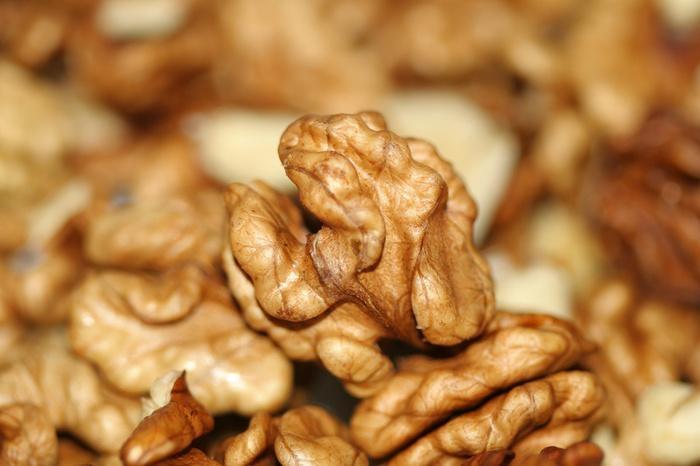 walnut kernels 1