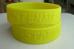 Customized Silicone Wristbands, Embossed silicone bracelet