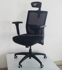 黑色辦公椅帶昇降扶手