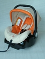 baby car seat with base,which can be very convenient . 2