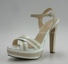 White Chunky Heel Fashion Sandals