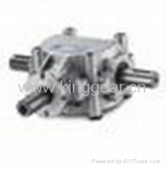 Aluminum bevel gearbox for agricultural machinery