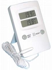 TT05 Indoor and Outdoor digital thermometer