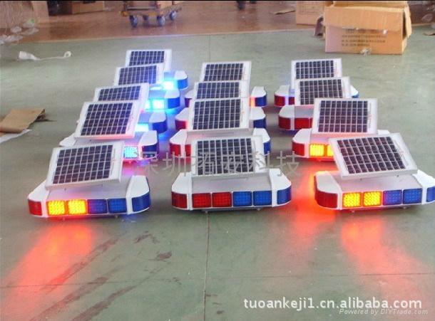 太阳能红蓝爆闪灯 4