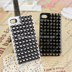 Silver Punk Pyramid Studded Style Studs Rivet Hard Cell Back Case for iPhone 5