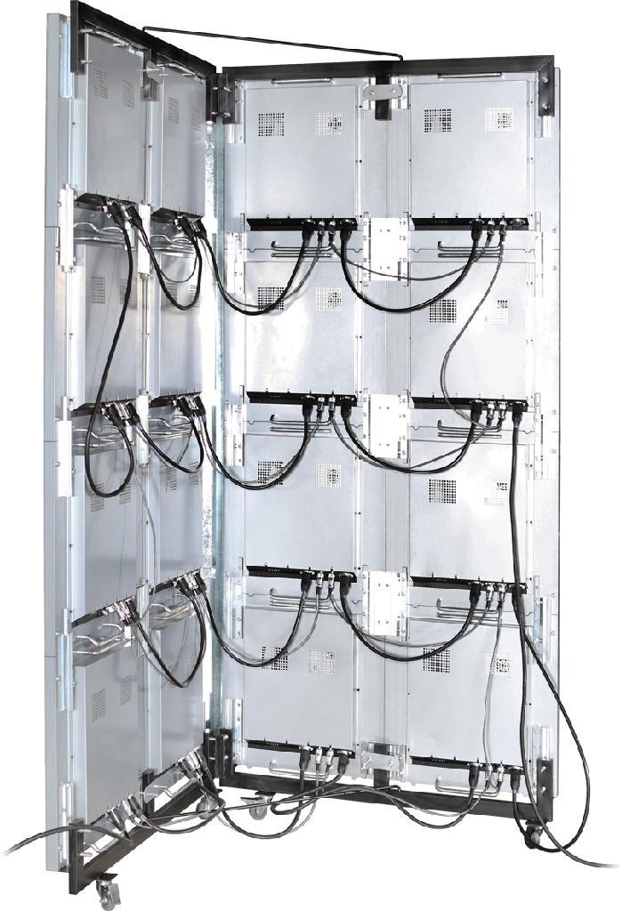 P5室內全彩壓鑄鋁LED顯示屏帶腳輪1920X960X 2 2
