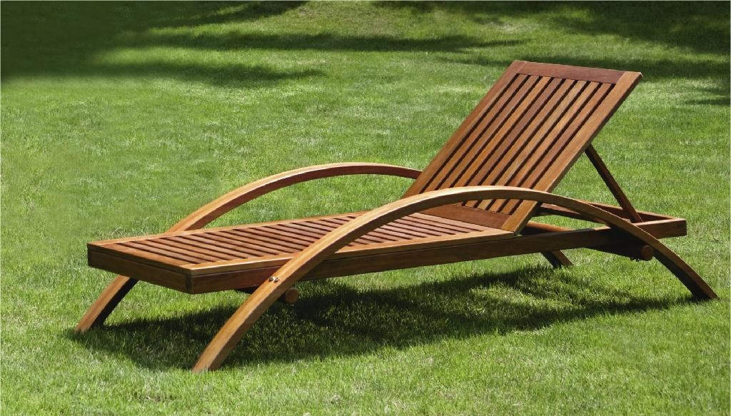 Wooden Beach Lounge Chair 1