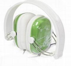 Elegant foldable music headphone