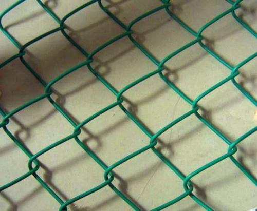 镀锌包塑勾花网 1