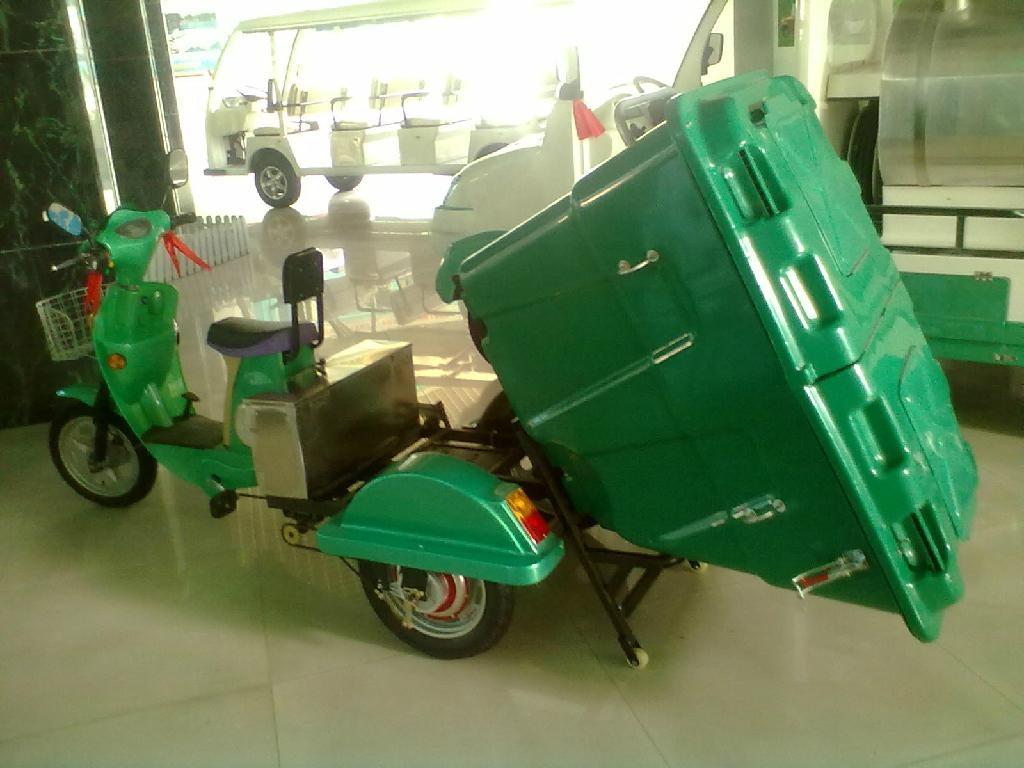 电动三轮保洁车 5