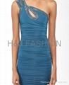 單肩釘珠縮褶緊身連衣裙 1