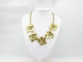 fashion necklace gold plated with flower pattern
