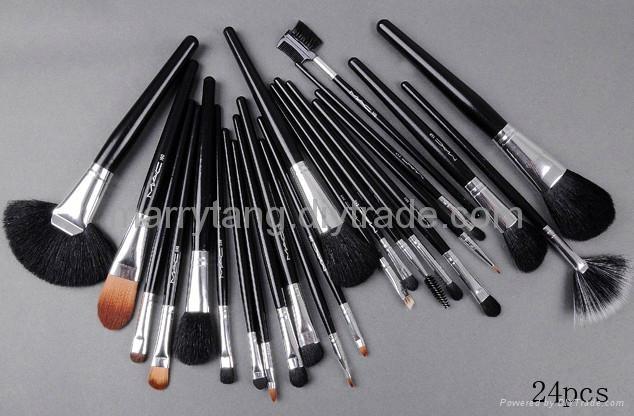 24 Pcs Set MAC Makeup Brushes Wholesale Price Cosmetics Brush Sets - 00030 - Mac Brushes (United ...