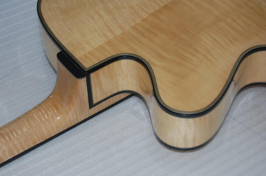 Wholesale fullyhandmade jazz guitar with solid wood. 5
