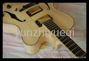Wholesale fully handmade jazz electric guitar with solid wood. 2