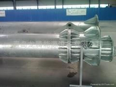 Wind turbine hydraulic tower