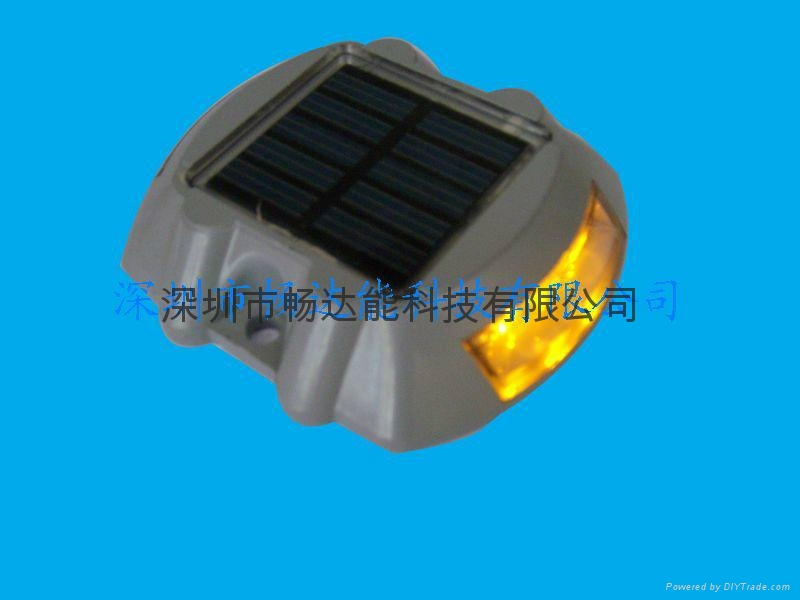 太陽能鑄鋁反光面道釘燈 4