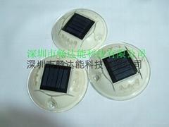 太陽能圓塑料道釘燈