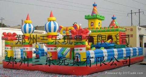 大型充气城堡 4