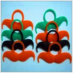 2013 New design custom beard shaped silicone rubber finger rings