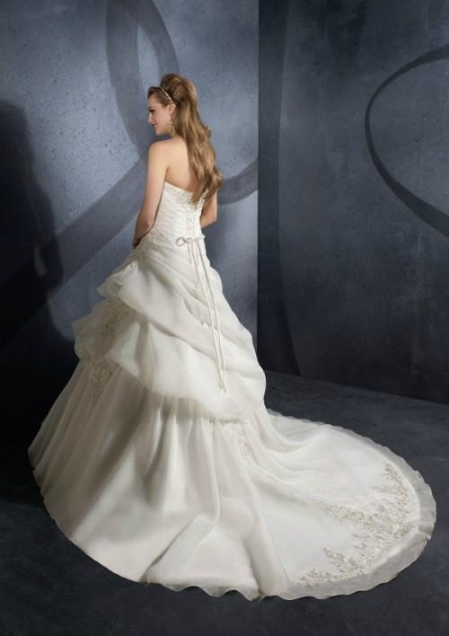 2012 latest Strapless ball gown appliques organza beading bridal wedding dress 2