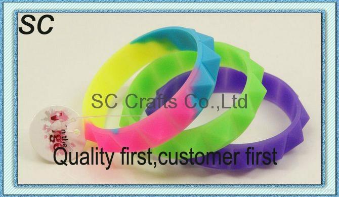 Hot silicone bracelet  1